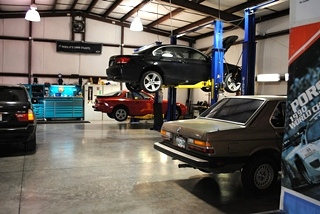 BMW Race Car Mechanic - Knoxville, Tennessee